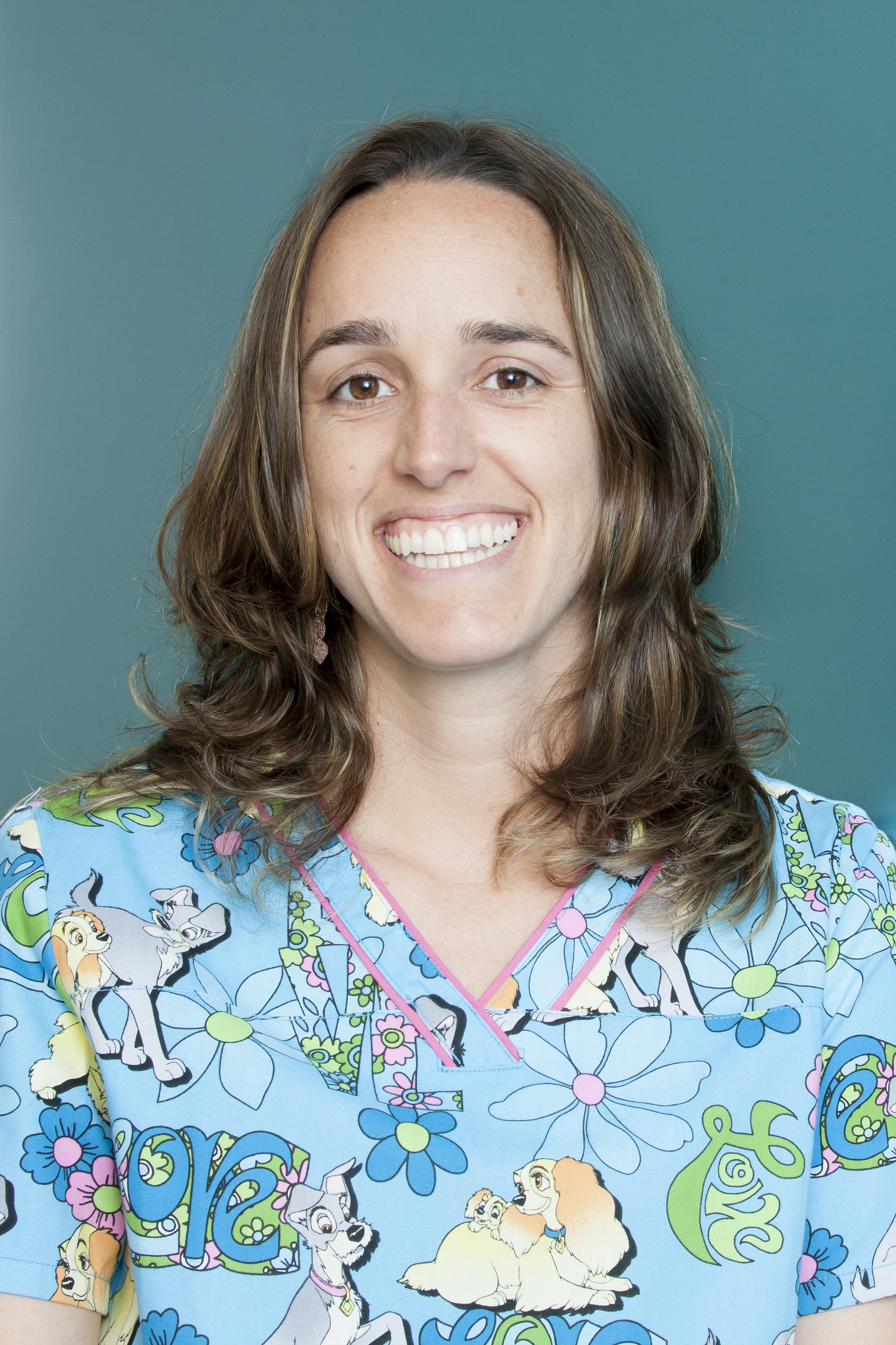 Dra Lara Concellón