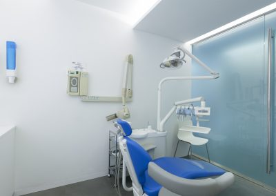 clinica dental en gracia