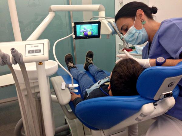 Tu tratamiento dental más ameno en Aguilar Dental Salut