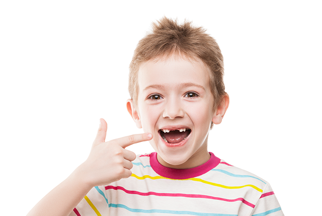 Mamá, ¿a tu hijo se le han caído los dientes de leche y no le salen los dientes definitivos?
