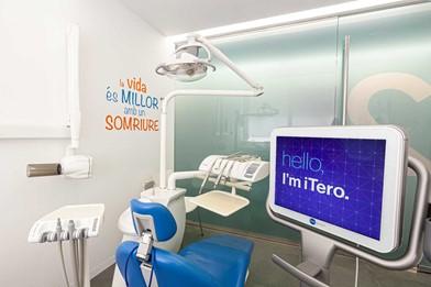 5 años en la nueva clínica dental de Barcelona